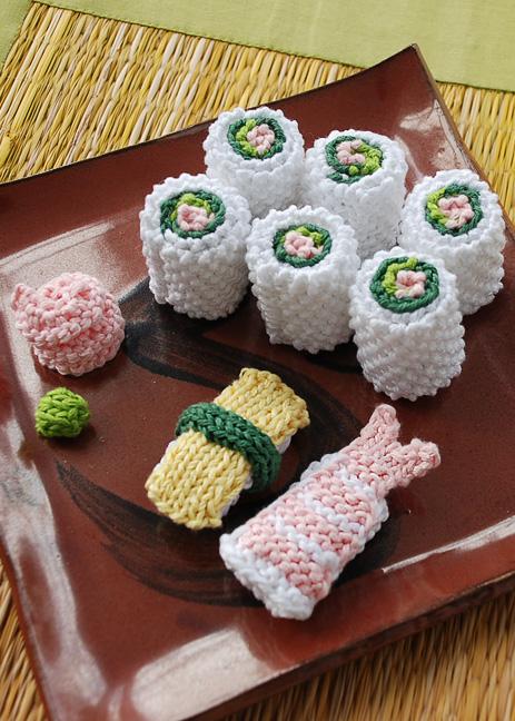 She Knit a Sushi Set!