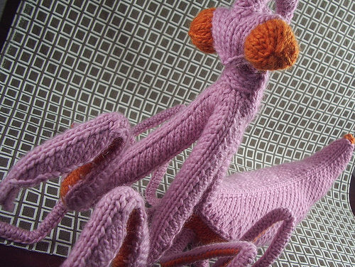 She Knit a Giant Praying Mantis! You Can Too!