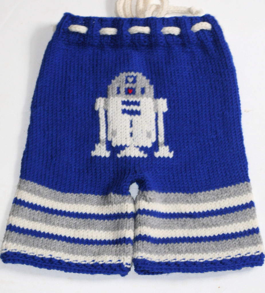 Knitted R2D2 Baby Pants - Star Wars Strikes The Sticks Again!