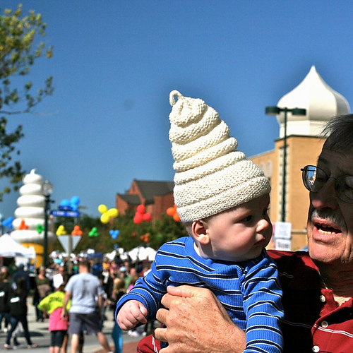 Baby Cosplay Alert! Knit a Soft Serve Ice Cream Hat – Hilarious and the Pattern is FREE!