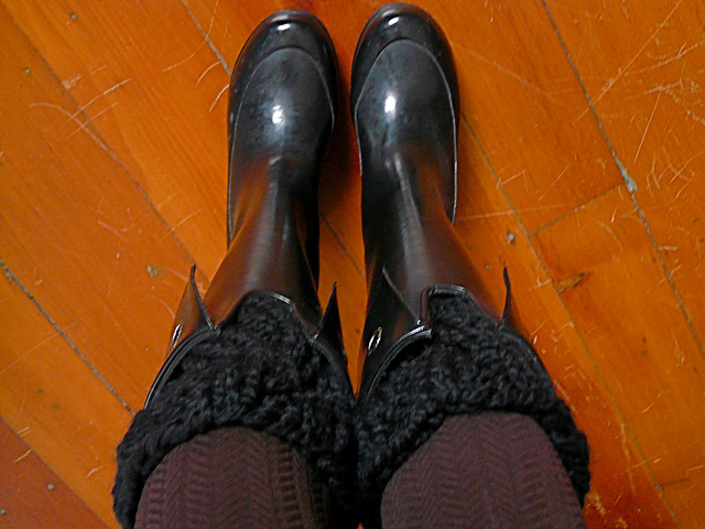 Knit a Pair of Boot Buffers With This Free Pattern!