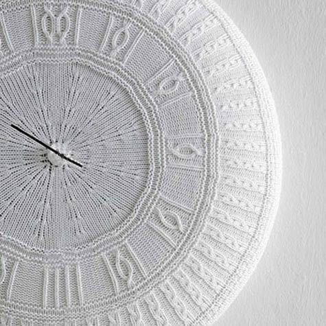 Knithacking Time ... This Knitted Clock is Fab!