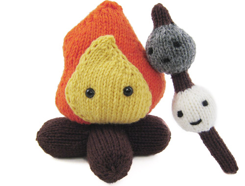 Campy and the Mallows Knitted By Mochimochi Land