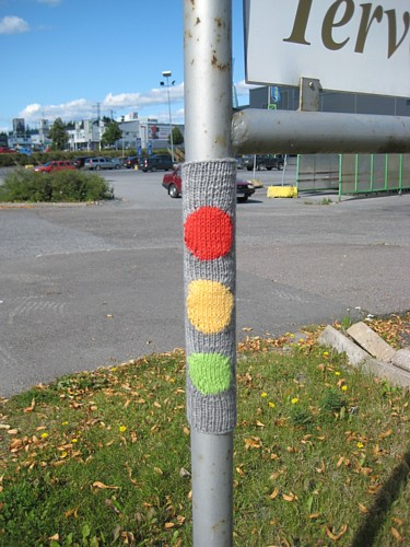 'Traffic Lights' - Knit Graffiti From Finland