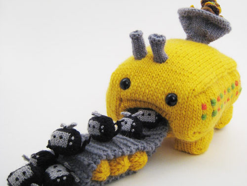 Tiny Thing Conversion Factory: It Converts Cheeseburgers Into TVs, All Knitted Of Course!