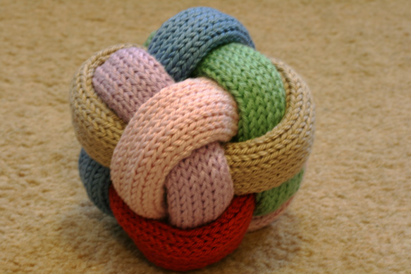 Knitted and Braided Gevlochten Bal - Pattern Available!