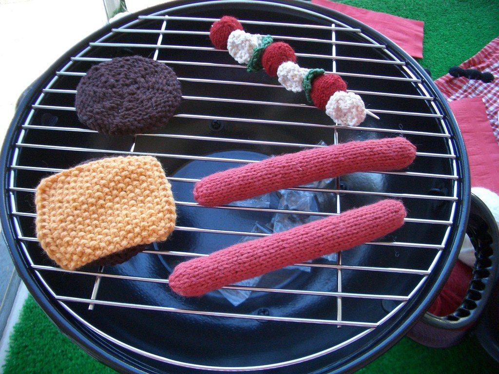 Calorie-Free Barbecue Smorgasbord - It's All Knitted!