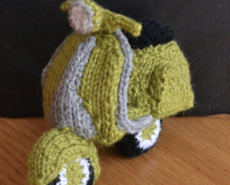 She Knit a Vespa and YOU Can Too!
