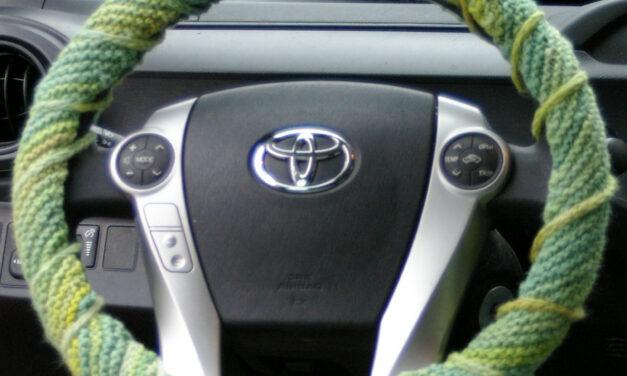 Free Pattern Alert! Knit a Steering Wheel Cover
