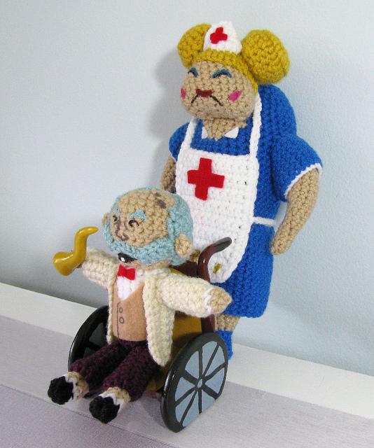 Nurse and the Captain (Henry Hatsworth) Amigurumi