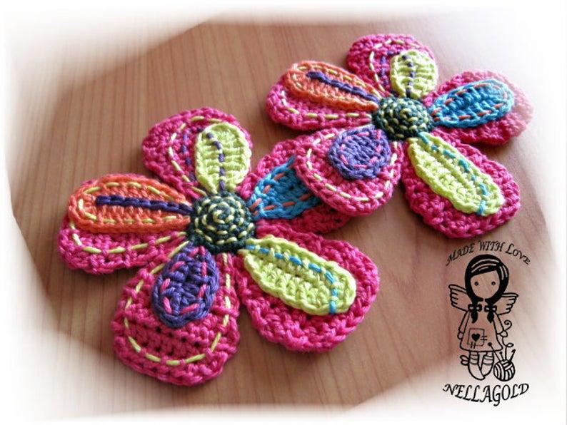 She Put a Cute Crochet Flower on Her Cap!