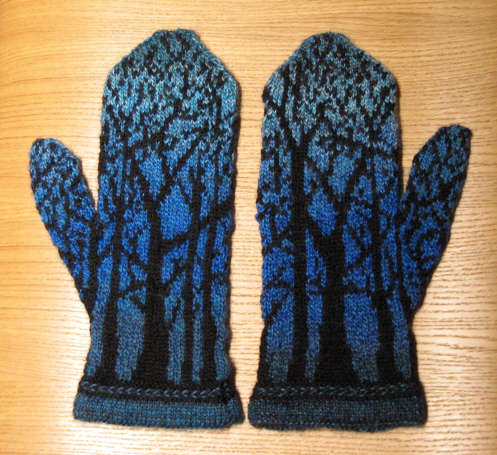 Beautiful Knitted Tree Mittens