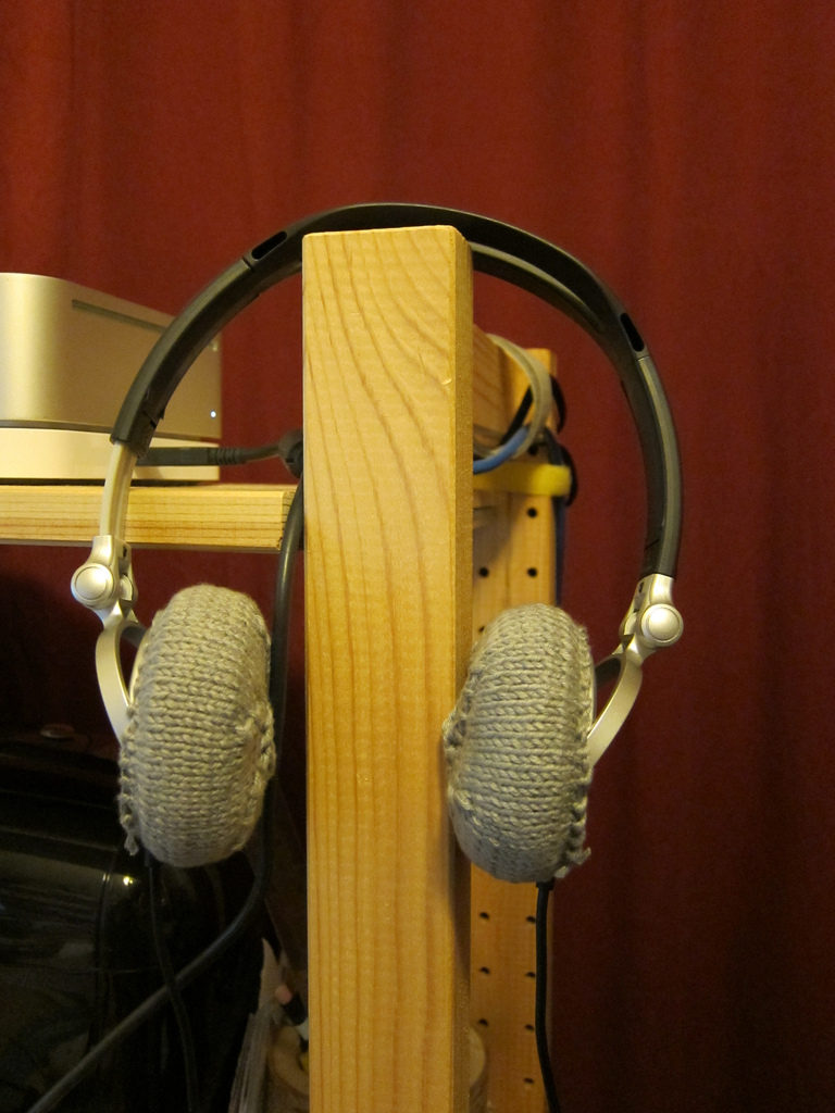 Knit a Pair of Covers for Your Headphones - The Pattern is FREE!