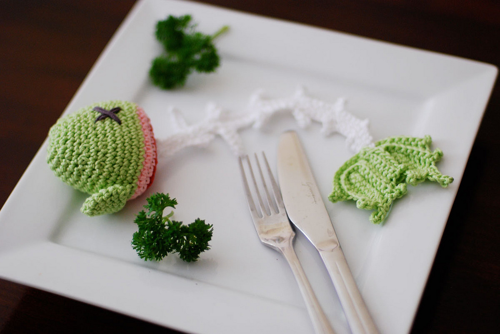 She Crocheted a Classic Fish Skeleton and Called it 'Skelly Fish' ... Here Are Some Patterns To Crochet Your Own!