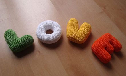 Your LOVE Letters Will Never Be The Same Again – Knit & Crochet Letter Patterns!