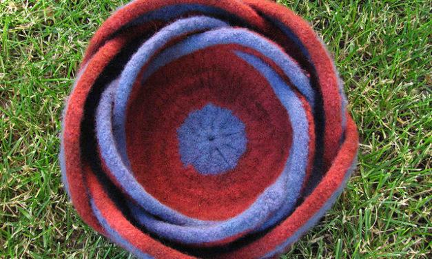 Nested Pentafold Felted Moebius Bowls … Free Pattern!