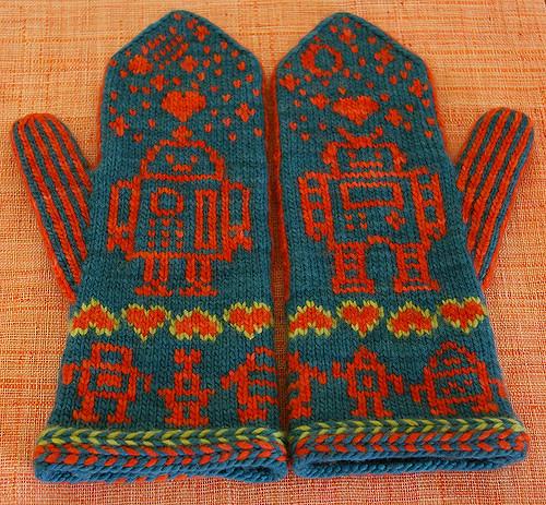 Love Bytes Knit Robot Hat & Mitts Set, Get the Pattern!
