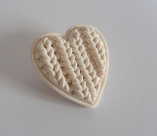 Adorable 'Knitted' Heart-Shaped Brooch