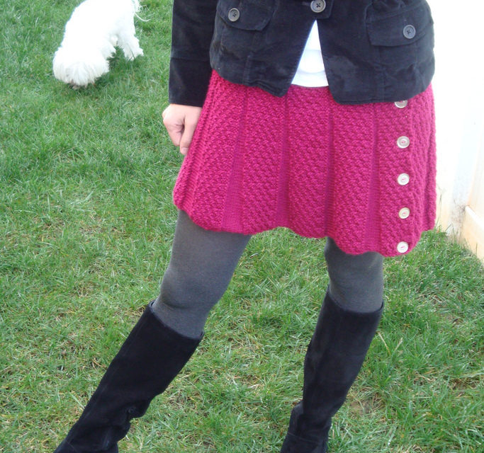 I Worship This Knit Fuchsia Skirt – Get the FREE Pattern!