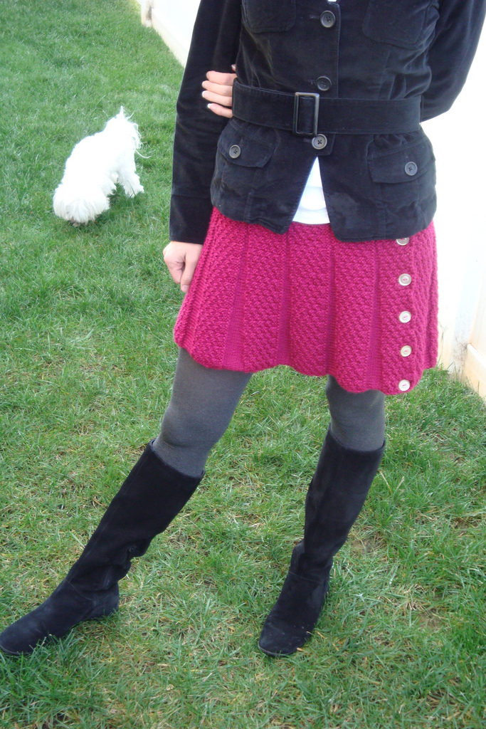 I Worship This Knit Fuchsia Skirt - Get the FREE Pattern!