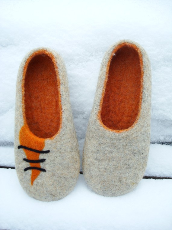 Felt Your Own Clog-Style Slippers!