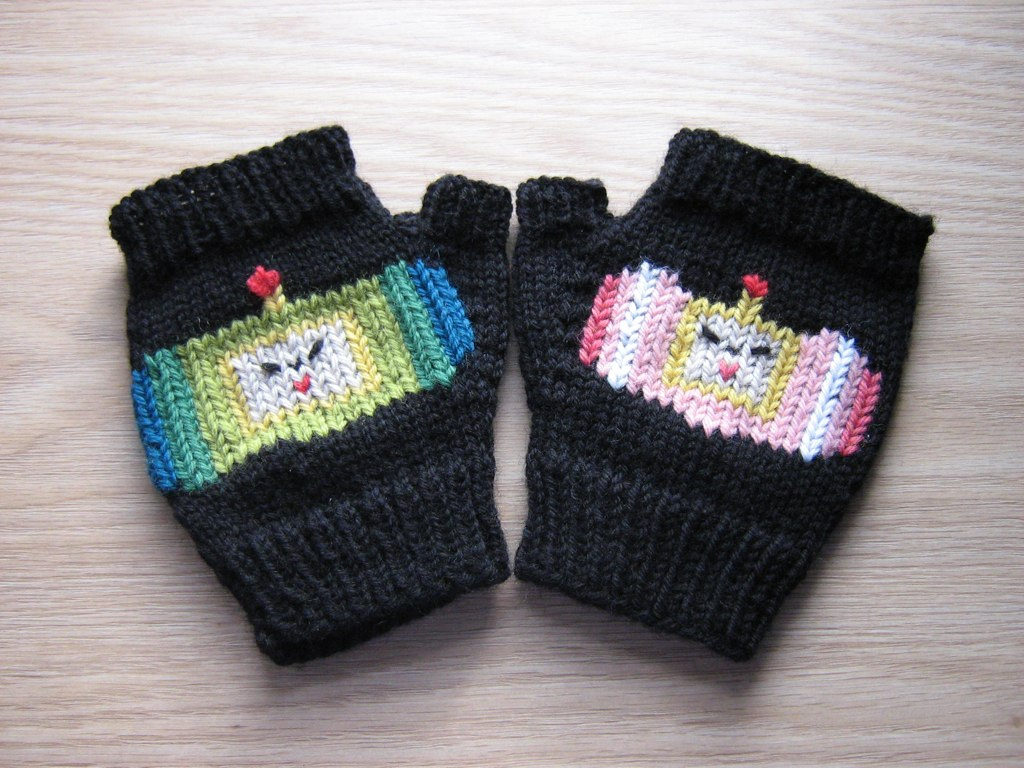 Knit Katamari Damacy Mitts and Chart