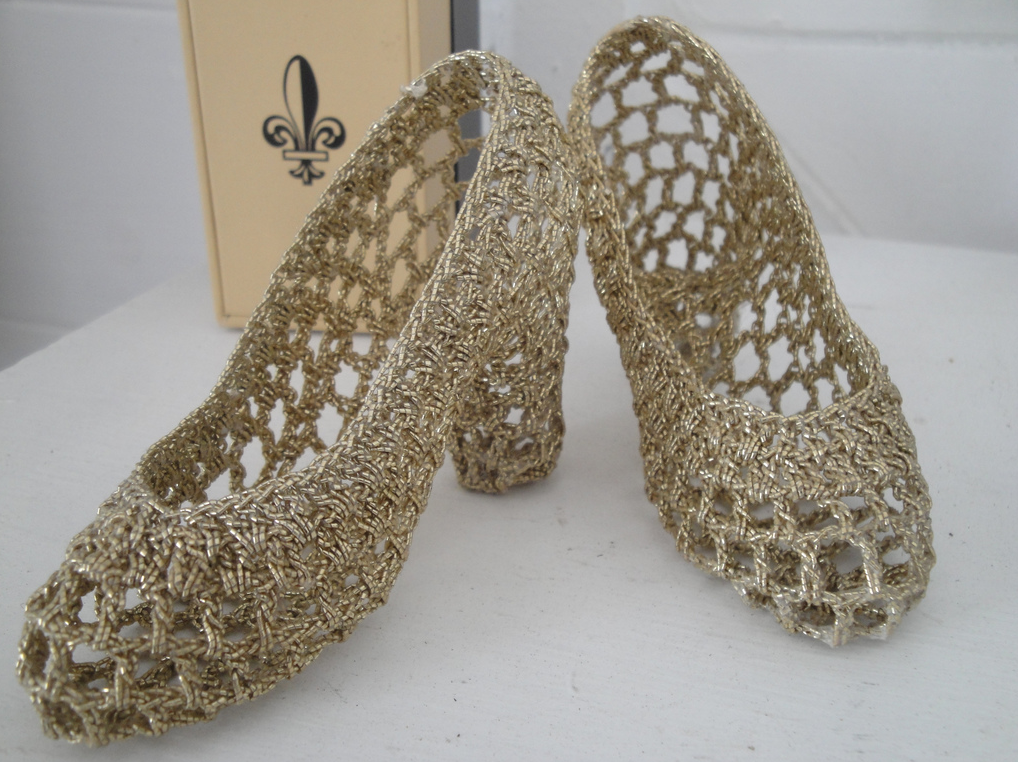 She Found These Crochet Fairy Tale Pumps At A Yard Sale! So Jealous!