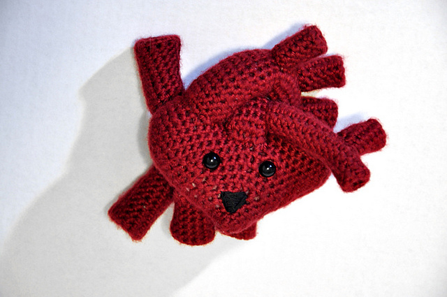 Crocheted Anatomical Heart - Red – the shop of interest | 425x640