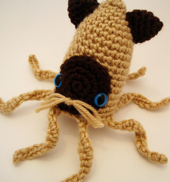 Crochet Siamese Squitten – Squid or Cat? An Awesome Amigurumi That's Both!