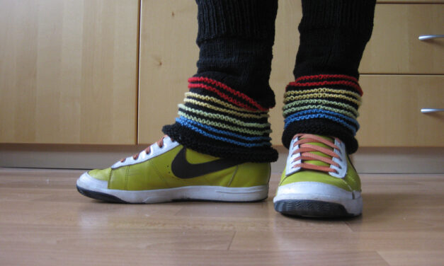1982 Called, It Wants To Borrow These Awesome Knit Legwarmers