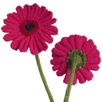 You Can Knit These Gorgeous Gerbera Daisies Too – FREE Pattern Alert!