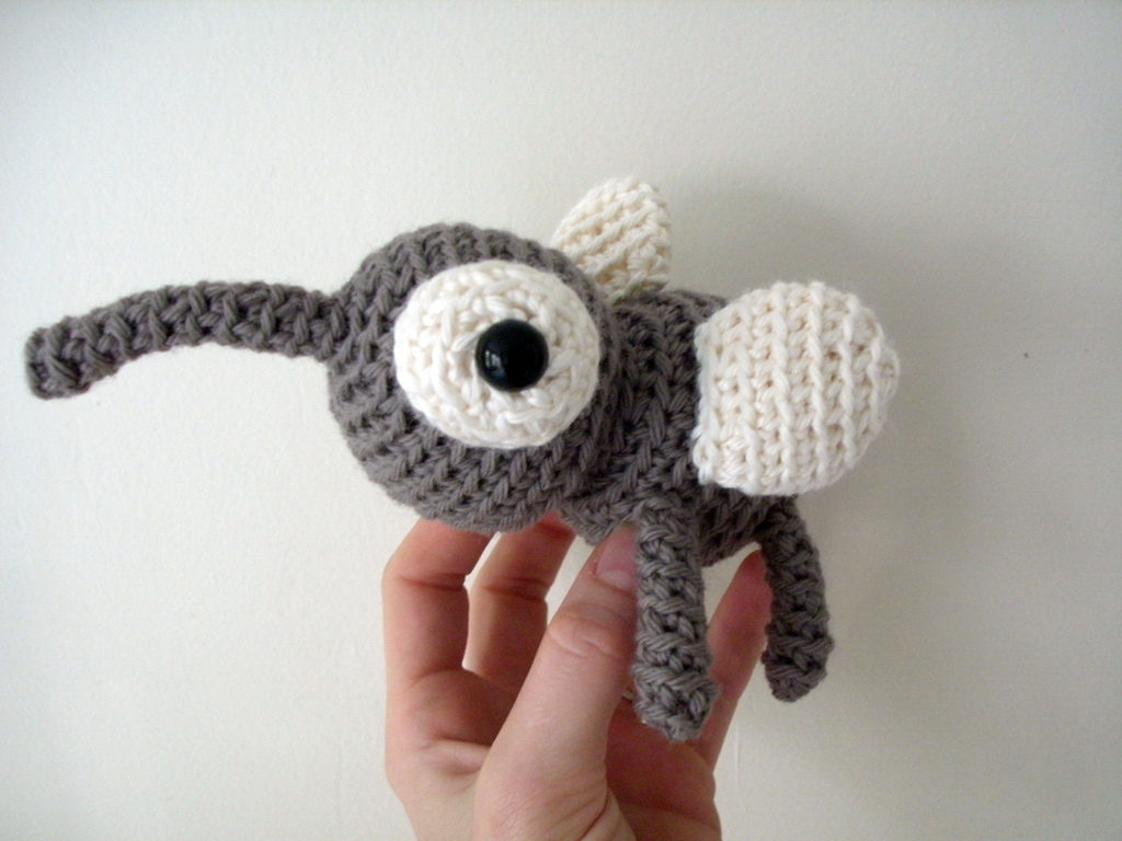 Oh, no no no more mosquitoes! Except for this crochet one ...