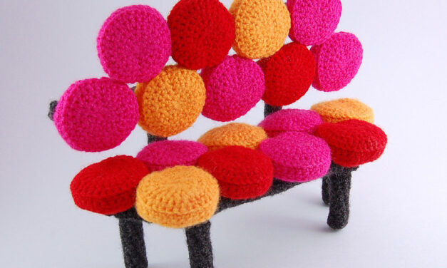 Beautifully Bubbly Sofa – Crochet Miniature Inspired By the Famous Marshmallow Sofa, Get the Pattern!