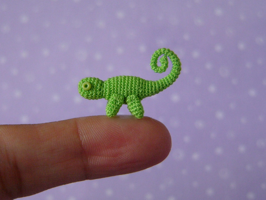 Muffa's Miniature Crochet Chameleon - Such a Tiny Amigurumi!