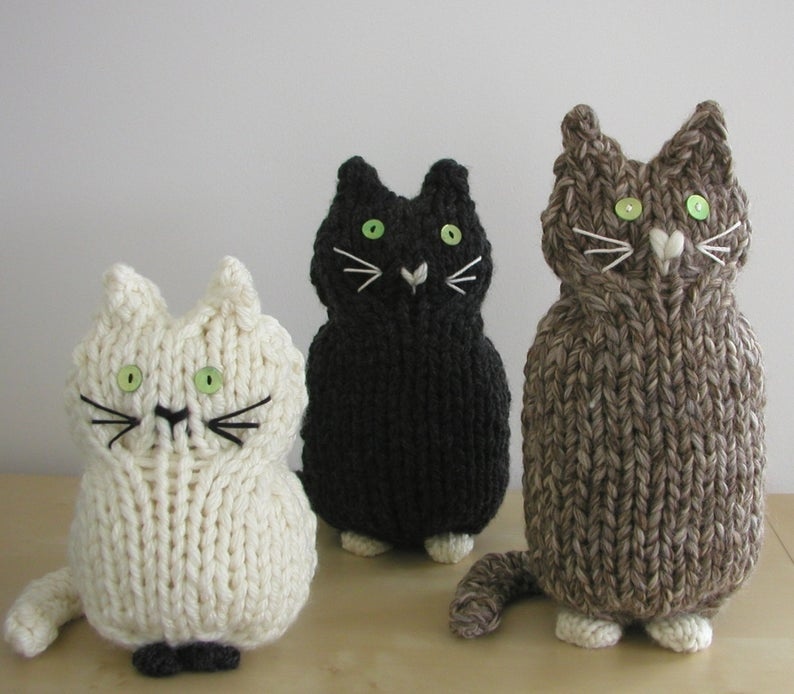 Get the knit pattern by Hand Knitted Things #knitting