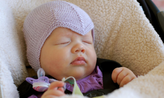 Dear Amelia Earhart Fans, This Knitted Aviator Hat Has So Much Style and the Pattern is FREE!