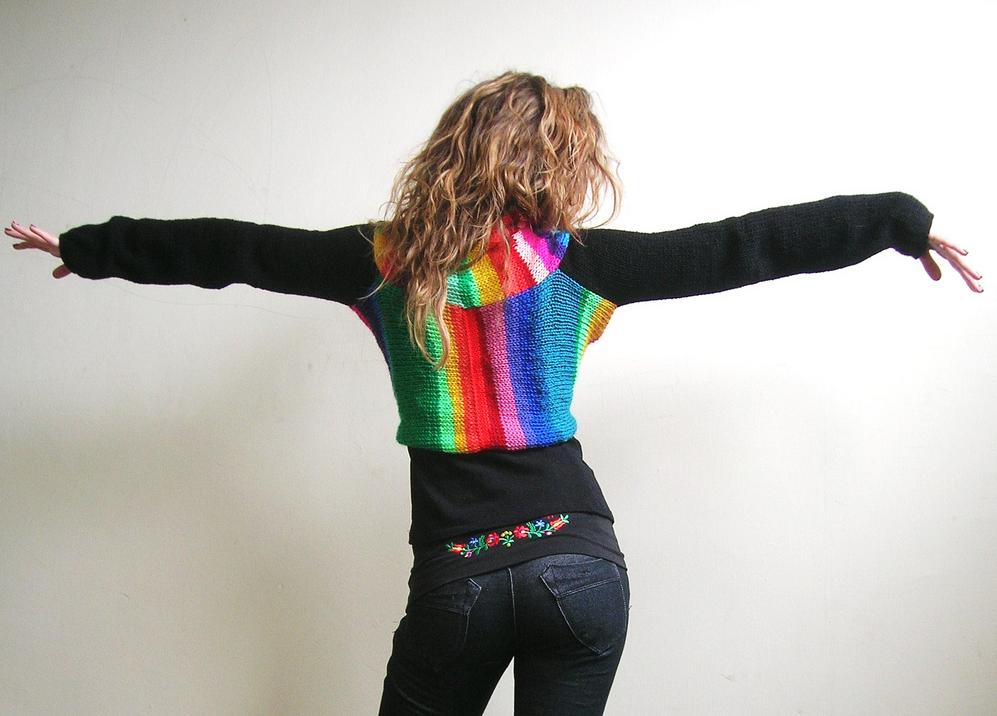She Knit a 'Rainbowlero' and I Want One!