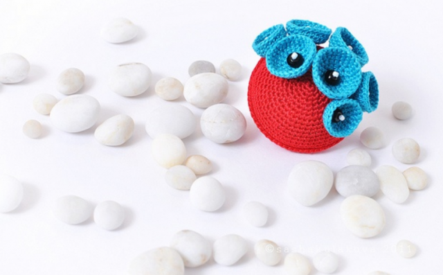 Gorgeous Crochet Sea Structure Brooch