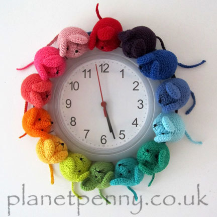 Knit or Crochet a Rainbow Mouse Clock - So Unique