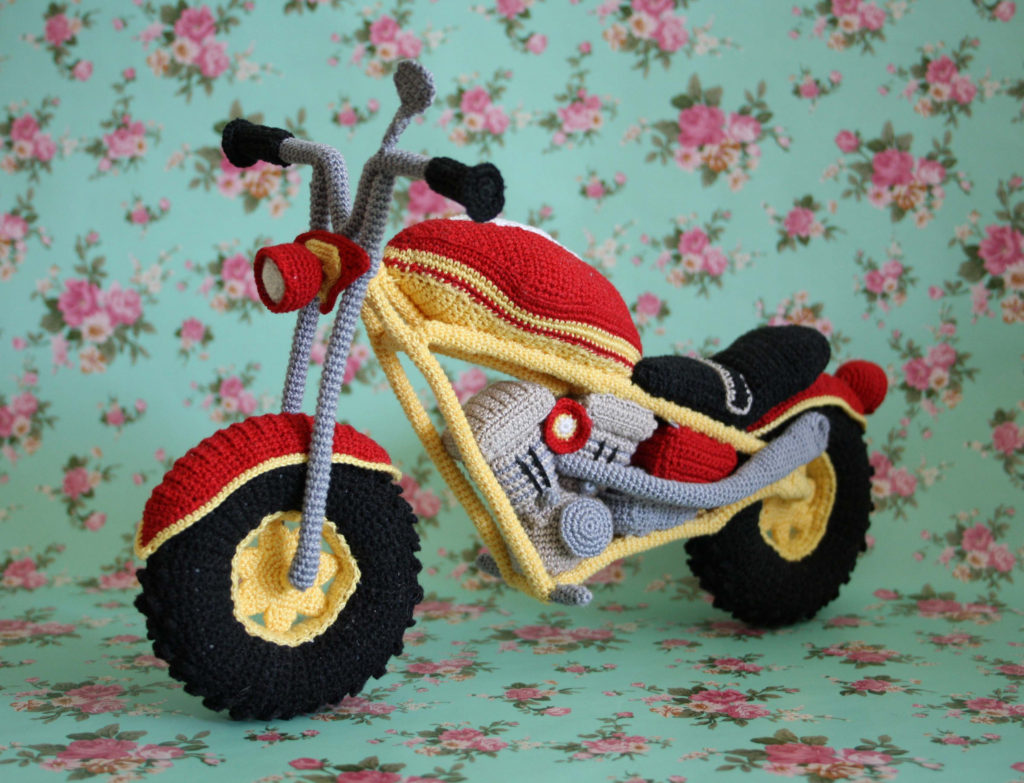 Amazing Crochet Motorcycle - The Details Are Incredible!