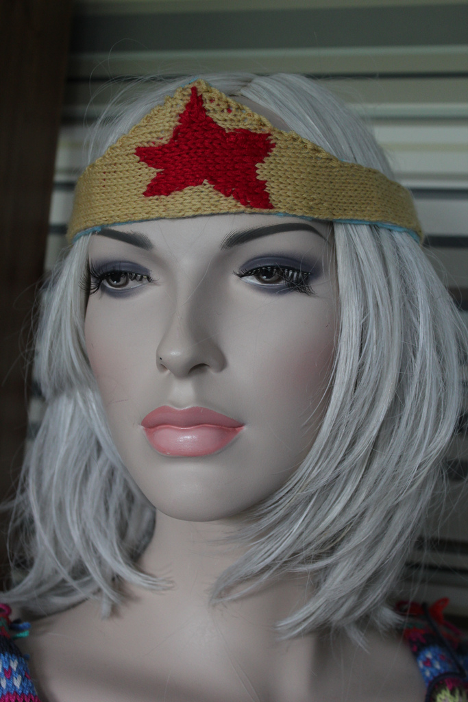 Knitted Wonder Woman Tiara - Knit Your Own!
