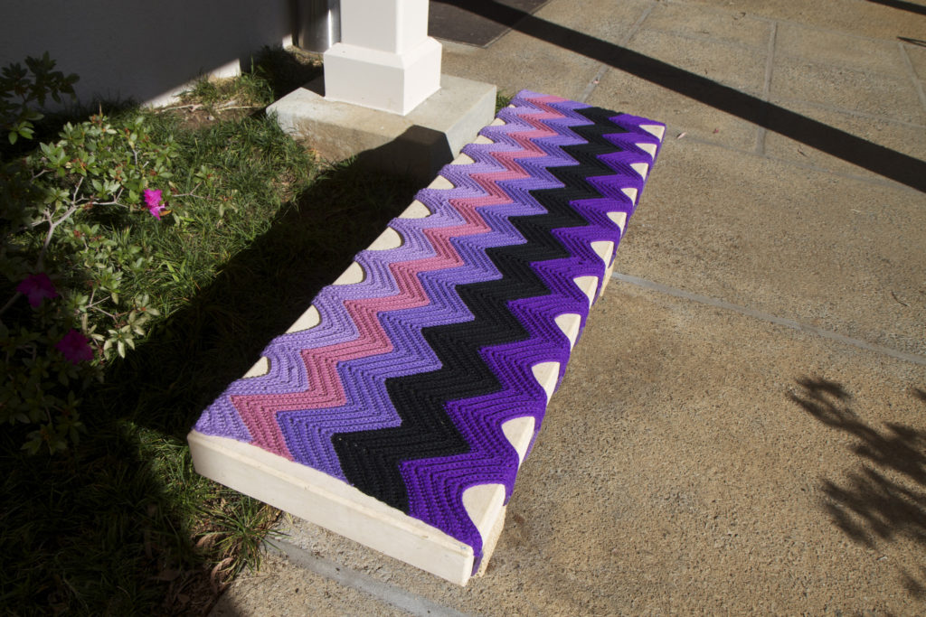 You Got Benched! Beautiful Yarn Bomb Spotted in Hawaii ...