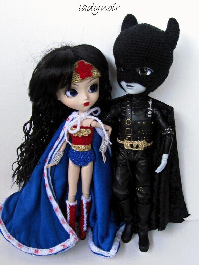 Lady Noir's Amigurumi Superhero Couple