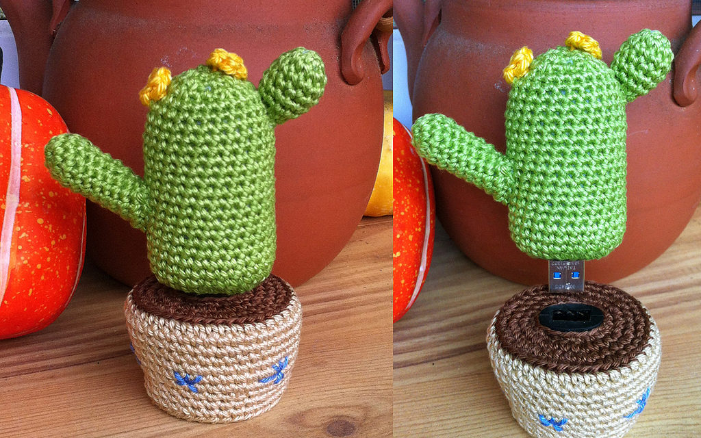 This Amigurumi Desk Cactus Doubles as a USB Key! Get the Crochet Pattern FREE!
