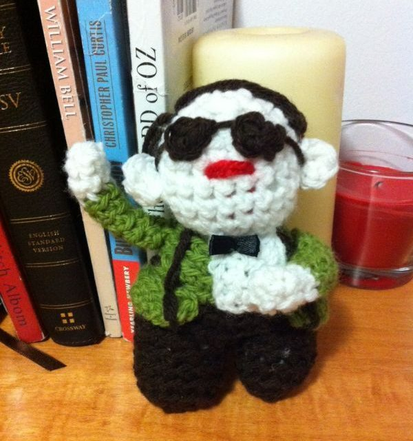 Jessica Nevin Crocheted an IKEA Monkey Amigurumi … and a Psy Too – Gangnam Style!