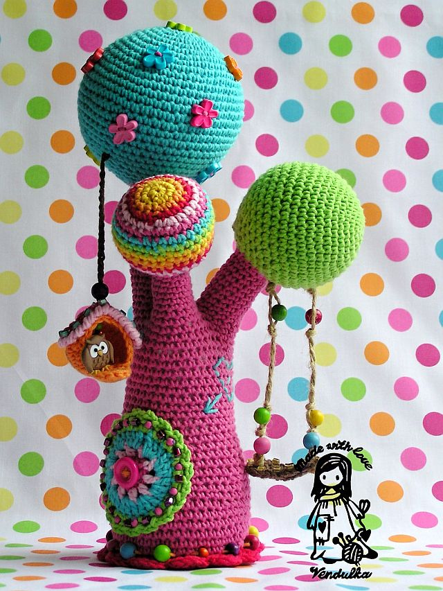 Crochet a Colorful Amigurumi Tree - Rainbows Rule!
