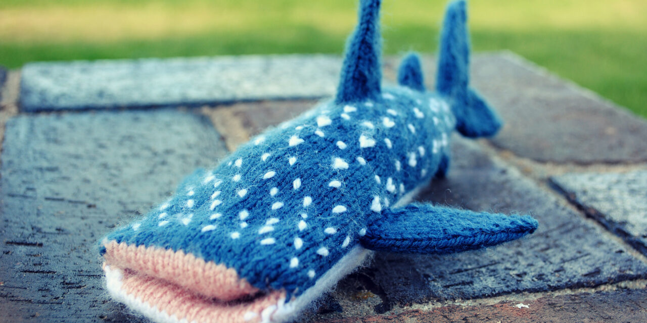 Knitted Whale Shark iPhone Cover – FREE PATTERN!