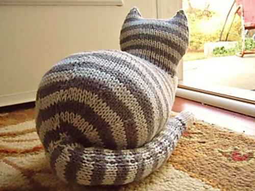 Say What? Time to Knit a Big Old Cat Butt! (FREE Pattern Alert!)