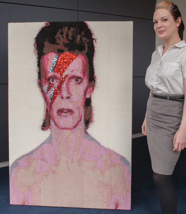 Knitted Aladdin Sane Portrait By Lisa Bentman Knithacker