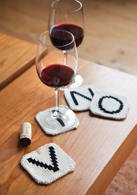 Knit a Gift for a Scrabble Nerd – These Letter Tile Coasters Are Perfect!